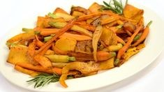 Recipe: Maple Glazed Squash and Carrots - CBC Life Thanksgiving Sides, Thanksgiving Recipes, Vegetable Side Dishes, Vegetable Recipes, Maple Glaze, What To Cook, Turkey Recipes, Butternut Squash, Carrots