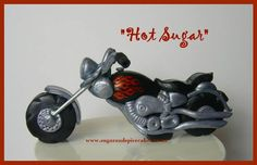 Motorcycle cake topper Harley Davidson Cake, Motorcycle Cake, Sugar Cake, Fondant Toppers, Spice Cake, Sugar And Spice, Step By Step Instructions, Projects To Try, Gifts