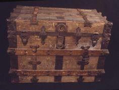 rustic steamer trunk <3