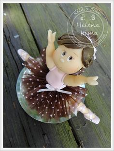 Ballerina cake topper by Hands 2 Design by Helena Lima, via Flickr  #cake topper #HelenaLima #Hands2design # cold porcelain