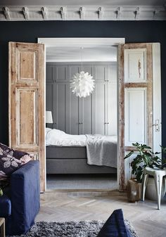 Shades of grey with light oak doors