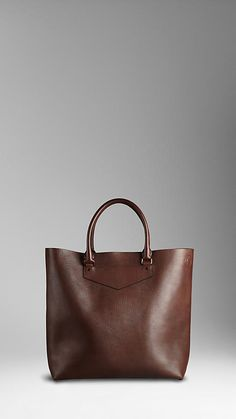burberry large leather portrait tote