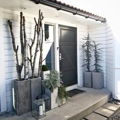 Welcome to our home #myhome #bazilicumhome #entrance#inngangsparti #ytterdør #frontdoor #interior123 #interior4all #whiteinterior #skandinaviskehjem #ilovemyinterior #scandinaviandesign #nordiskehjem #nordichouse #nordichome #inspotoyourhome #interiorstyle #monochromestyle #houseideas #homesweethome
