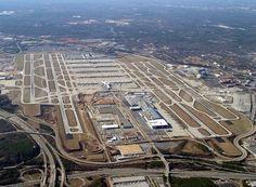 delta airlines atlanta hartsfield red coat | Dos aviones aterrizan en Atlanta (EE.UU.) por amenaza de bomba ...