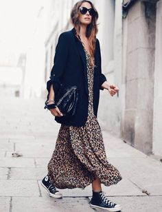 Oversized blazer / street style fashion / Fashion week outfits style summer teenage frauen sommer for teens outfits Mode Outfits, Dress Outfits, Fashion Outfits, Womens Fashion, Fashion Trends, Dress Fashion, Fashion Ideas, Fashion Clothes, Fall Outfits