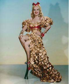 Betty Grable Color Print Down Argentine Way 1940 Hollywood Costume, Hollywood Fashion, Old Hollywood Glamour, Hollywood Actresses, Hollywood Style, Hollywood Icons, 40s Fashion, Classic Hollywood, Vintage Outfits