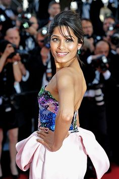 Další z ambasadorek L´Oréal Paris Freida Pinto v Cannes