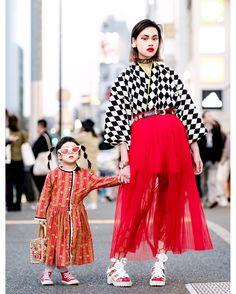 The Ivy Tokyo Designer Mother & Daughter Vintage Kimono Top Harajuku Street Styles Asian Street Style, Tokyo Street Style, Japanese Street Fashion, Tokyo Fashion, Harajuku Fashion, Street Styles, Tokyo Style, Japan Street, Korean Street