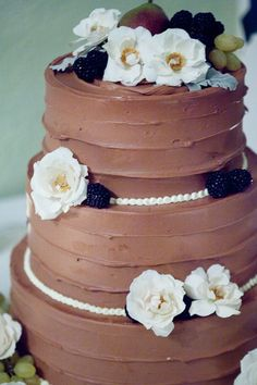 Love the way this cake looks. Baked NYC: Baked Weddings