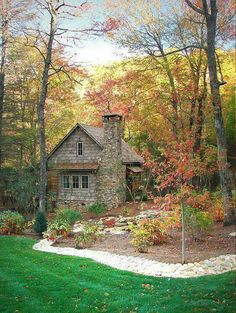 Cabins And Cottages: Cabins And Cottages: Mountainworks Portfolio of ho. Stone Cottages, Cabins And Cottages, Stone Houses, Cozy Cottage, Cottage Homes, Cottage Style, Patio Grande, Log Cabin Homes, Log Cabins