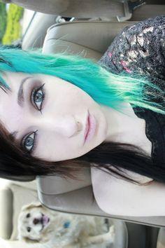 dyed hair, hair, blue eyes, eye makeup, natural, winged eyeliner, teal hair, brown hair, eye shadow, cat eyes, eyeliner