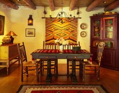Southwest dining room with rustic wood beam ceiling and distressed wood table Southwestern Home, Southwest Decor, Southwestern Decorating, Southwest Style, Southwest Kitchen, Rustic Western Decor, Rustic Wood, Distressed Wood, Western Style