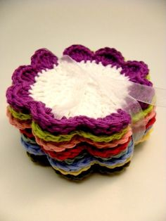 flower petal cotton face scrubbies - these are so cute! I could totally use this as coasters =) I'm not sure what a face scrubbie is lol