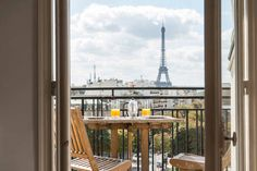 Schau Dir dieses großartige Inserat bei Airbnb an: 2 av des Champs Elysées. 360° View in Paris