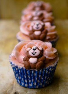 Objetivo: Cupcake Perfecto.: De mayor quiero ser Nigella (o Jamie)... Swiss Meringue Buttercream