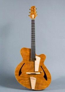 Kopie - Archtop Guitar by Claudio & Claudia Pagelli
