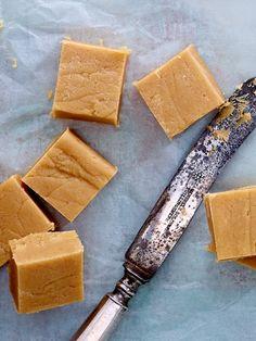Süße Grüße aus der Küche: So einfach gelingt leckeres Fudge!
