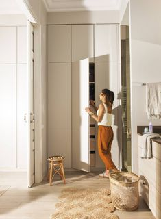 Despite the fact that this Barcelona apartment is located in the old house built in its interiors look quite young and fresh. Designer Gloria Borras ✌Pufikhomes - source of home inspiration