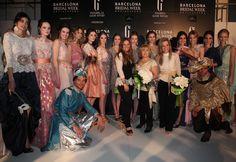Matilde Cano con las modelos después del desfile en la Pasarela Barcelona Bridal Week 2013. Imagen cedida por BBW.