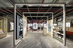 Courir branding and store design by Carré Noir Paris  France