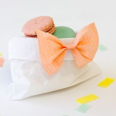 Make these cute bow treat bags from crepe paper streamers!