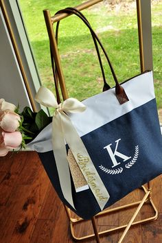These bridesmaid zipper bags are big enough to fit larger gifts such as hangers or robes! This lovely heathered navy and white zipper tote bag is made of a durable poly canvas with leatherette handles. Bridesmaid Gift Bags, Bridesmaid Proposal, Bridesmaids And Groomsmen, Wedding Bridesmaids, Dream Wedding, Fall Wedding, Wedding Ideas, Monogram Tote Bags, My Bridal Shower