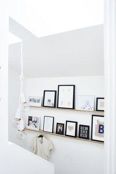 Zet herinneringen en familiemomenten in de picture   IKEA IKEAnl IKEAnederland inspiratie wooninspiratie interieur wooninterieur foto fotolijst familie vrienden foto's slaapkamer kamer woonkamer decoratie accessoires accessoire wissellijst RIBBA wissellijsten