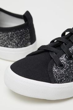 sports shoes e33bc 1c3f9 Glittery Sneakers