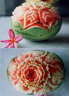 Watermelon has a lot of content of lycopene, an antioxidant compounds in plants known able to fight heart disease and prostate cancer! Watermelon Carving Easy, Watermelon Art, Food Carving, Eat Pretty, Art Carved, Fruit Art, Fruits And Vegetables, Food Art, Deserts
