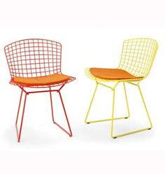The Bertoia Side Chair is available in black, white, red, yellow green, blue polished chrome or satin chrome finish.