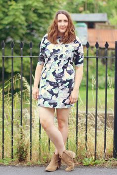 Steph of Style blog in the Amelia Camo Print Dress Image