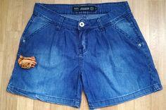 Shortinho esporte social - Makenji  Jeans, frente pregueada com bolsos. Mistura de look que permite usá-lo tanto no dia-a-dia quanto na baladinha.  Só 20,00