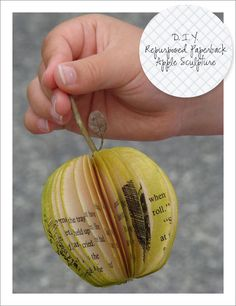 DIY paper apple *I love the idea of an apple themed baby shower. Diy Paper, Paper Art, Paper Crafts, Origami, Diy Home Crafts, Crafts To Do, Easy Crafts, Book Page Crafts, Recycled Books