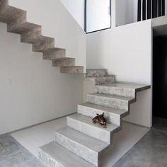 Mad precast conc staircase