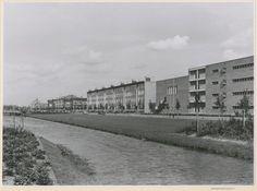 1956, Segbroeklaan, rechts het Vrijzinnig Christelijk Lyceum. 840316ff-154b-474d-991a-6559cf671ed3.jpg