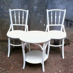 Kursi teras depan minimalis  Bahan terbuat dari kayu jati harga murah langsung saja hubungi di no 089632760817 atau invite pin 7DBDEE62