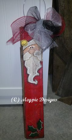 Megpie Designs: Barn Wood Santa -way cute! Christmas Wood Crafts, Santa Crafts, Pallet Christmas, Christmas Signs, Christmas Art, Christmas Projects, Winter Christmas, Holiday Crafts, Christmas Decorations
