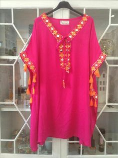 New Indian tunics in viscose! Also available in white with blue or fuchsia embroidery. Think quick! 😉 And yes, we're open tomorrow between h. New Dress Pattern, Dress Sewing Patterns, Hijab Fashion, Boho Fashion, Fashion Dresses, Diy Fashion Hacks, Indian Tunic, Moda Boho, Beachwear Fashion