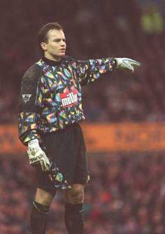 Aston Villa Keeper's Kit 1993-95