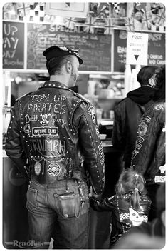 Leather Skin, Leather Jeans, Biker Leather, Leather Jacket, Motorcycle Wear, Motorbike Leathers, Beard Tips, Vintage Cafe Racer, Cafe Racing