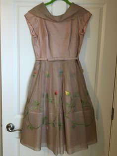 Satin with tulle overlay on skirt. Crinoline inside and multicolored flowers attached to skirt. Buy My Clothes, Beige Dresses, Vintage Outfits, Tulle, Satin, Summer Dresses, Skirts, Stuff To Buy, Beauty