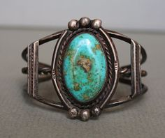 Old Pawn Vintage Navajo Native American TURQUOISE Sterling Silver Cuff Bracelet