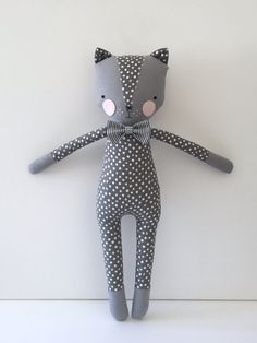 Cats Toys Ideas - luckyjuju kitty boy - cat lovie - doll - Ideal toys for small cats Felt Dolls, Plush Dolls, Animal Gato, Friend Crafts, Boy Cat, Ideal Toys, Fabric Toys, Cat Doll, Small Cat