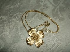VTG. CROWN TRIFARI SHINY & BRUSHED GOLD TONE DOGWOOD FLOWER PENDANT/NECKLACE~ #CrownTrifari #PendantChainDogwoodFlower