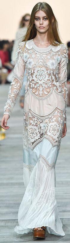 Roberto Cavalli 2015 SS RTW - Summer dinner white lace dress