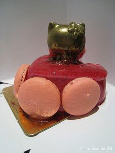 hello kitty macaron cake <3