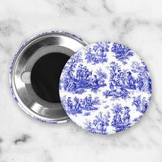 A pretty vintage blue and white Toile print gives this magnets set a French Country look. Great accents for your farmhouse or cottage style kitchen or office. Perfect for holding photos, shopping lists or notes on your fridge or file cabinet.