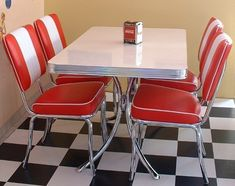 Retro American Style Diner sets, a selection of american diner furniture, diner booths and tables with free UK delivery. Bel Air, Table And Chairs, A Table, Diner Booth, Diner Table, Diner Decor, Retro Diner, American Diner, Retro Furniture