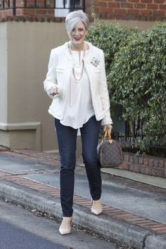 love the pin on the jacket - pinterest poses