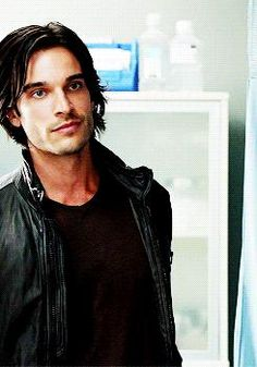 Daniel DiTomasso as the Vampire Kanan Temple Witches Of East End, Goth Boy, Face Characters, Male Face, Good Looking Men, Pose Reference, Bearded Men, Sexy Men, Hot Men